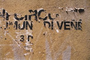 Schrift Zeichen Spuren 09 Venedig 1998